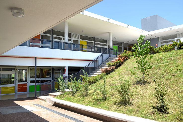 Escuela N°384 de Tiempo Completo en #Montevideo #ARQAUY #arquitectura  Descubrila:
