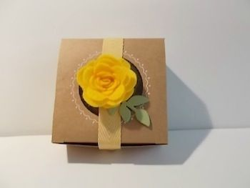 Use the Spiral Flower die with your favorite color of felt for an adorable gift topper.