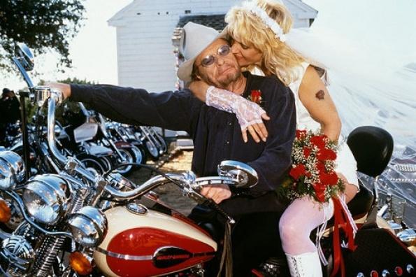 Merle Haggard Wife | Merle Haggard Pictures - Merle Haggard with his wife Theresa in 1998 ...