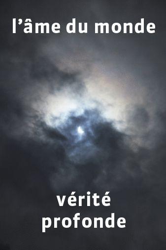 """Quelle chance de pouvoir écouter Michel Cazenave, écrivain, philosophe, poète et """"le"""" spécialiste de Jung en France, parler de l'inconscient collectif et des archétypes ! Me revoilà connectée à la puissance de l'imagination vraie, à l'inconscient cosmique, à l'infini, à l'âme du monde comme il dit, au jeu de ces forces inconnues qui font de moi une """"petite balle"""" balayée par des coups de vent (ou des paris divins ;-)…"""