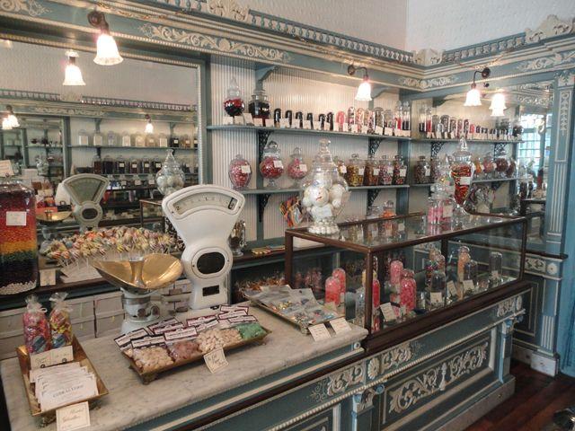 アメリカはフィラデルフィアに、古きよき時代の面影を残したお菓子屋さんがあります。 その名もShane̵ […]