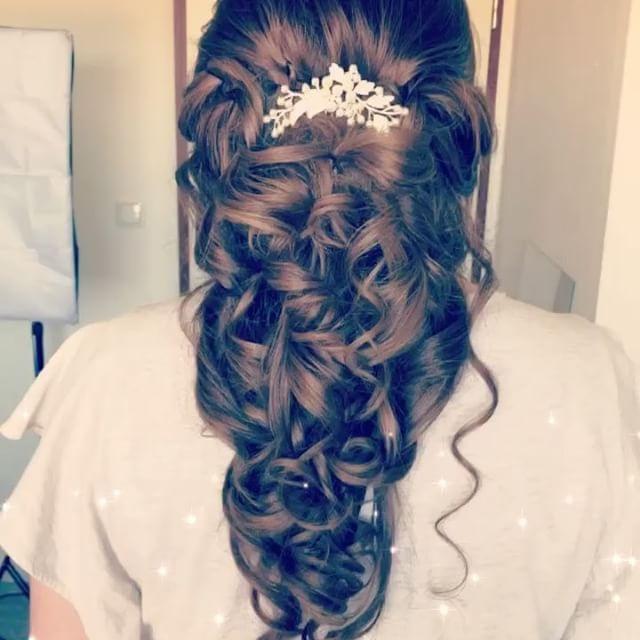 WEBSTA @ evinyavsan_13 - By  Evin yavsan Glamour#bride #bergen #hairup #celle #hairbyme #bridetobe2017 #hannover #brautfrisur #hine #kinagecesi #dutt #highlightshair #hairbyme #love #dügün #mac #naked2 #syoss #got2be #mac #maclipstick #maccosmetics #redcherrylashes#naked2 #wasserwelle #classic##hudabeauty #bananapowder #proconceal #anastasiabeverlyhills #abendmakeup.