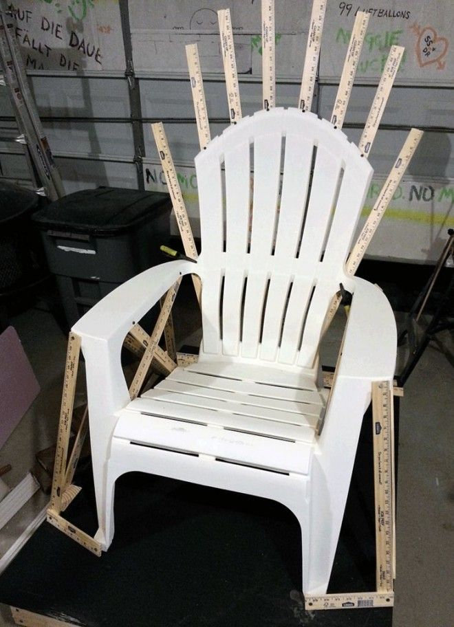 How to Make Your Own Iron Throne From a Lawn Chair   Underwire   WIRED