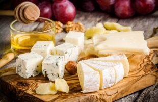Who loves cheese?! Check out our event with Lyburn Cheese at The Drift Inn ¦ Headline Events | New Forest Food Fest 2016