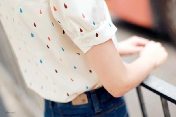 Rain drops keep fall'n on my head! Love this feminine short- sleeved blouse.