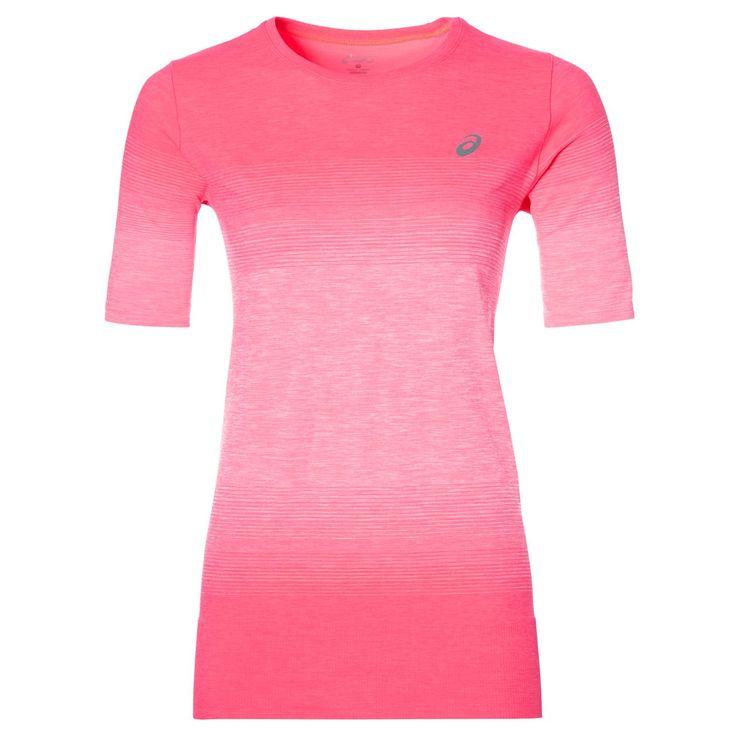 ASICS FuzeX Seamless shirt  Description: Het FuzeX Seamless shirt van ASICS is perfect om te dragen tijdens het hardlopen. Het shirt biedt een comfortabele en nauwsluitende pasvorm die je figuur accentueert. Het FuzeX shirt is voorzien van de MotionDry technologie wat ervoor zorgt dat zweet wordt geabsorbeerd en je lichaam droog en koel blijft tijdens het sporten. De reflecterende balk op de rug zorgt voor extra zichtbaarheid wanneer her buiten donker is. De korte mouwen de ronde hals de…