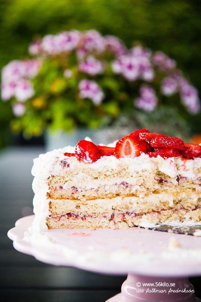 Strawberry Low Carb Cake  Midsommar, Midsummer Jordgubbstårta LCHF