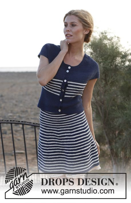 Crochet nautical top and skirt with high waist and stripes. Size: XS - XXXL. Free pattern