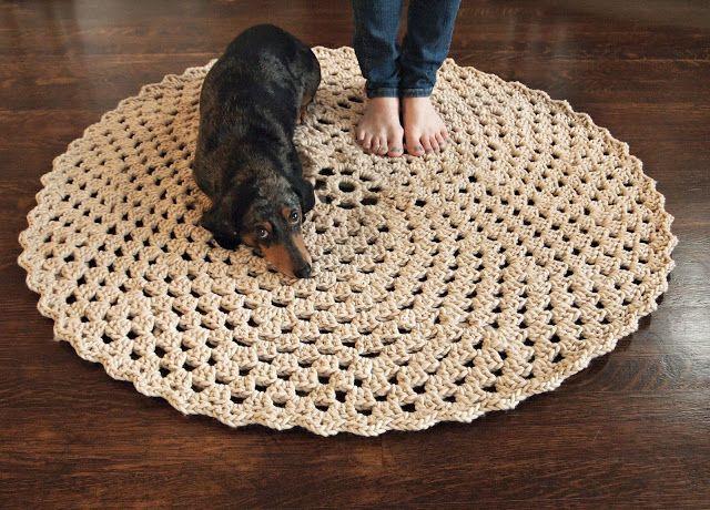 Beautiful Round Crochet Rug: free #crochet #rug #pattern