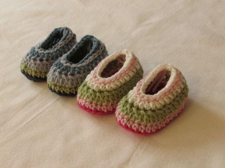 VERY EASY simple striped crochet baby slippers / booties / shoes tutorial ༺✿ƬⱤღ  http://www.pinterest.com/teretegui/✿༻