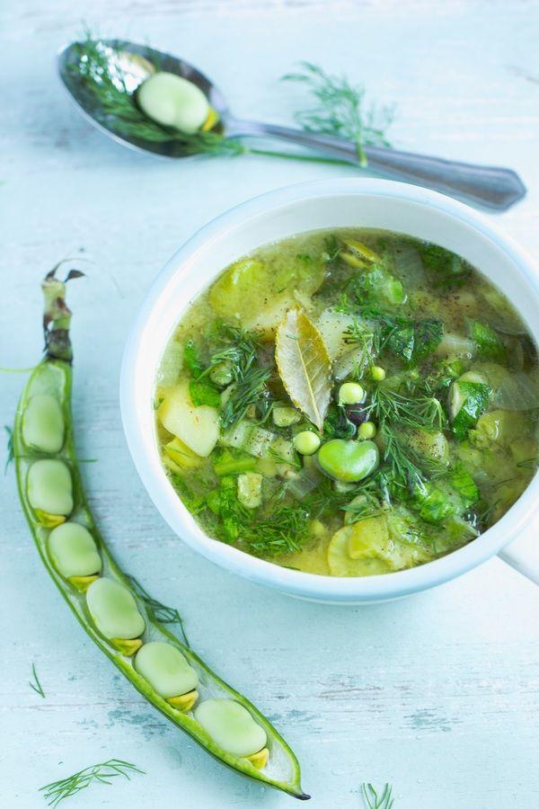 Letnia zupa z bobu i sałaty