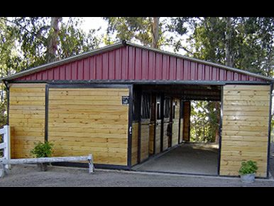 25 Best Ideas About Small Horse Barns On Pinterest