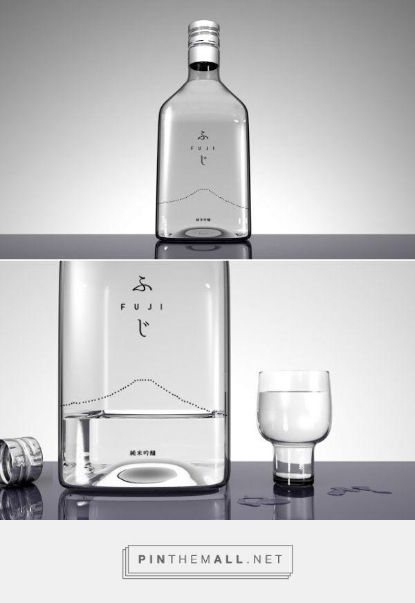 Fuji Sake bottle designed by Studiobium (Japan) - http://www.packagingoftheworld.com/2016/01/fuji-sake.html