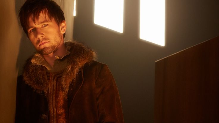 The Plague is near…but while there's Bash, there's hope. @torrancecoombs returns for #Reign S2 Thursday, Oct. 2! pic.twitter.com/cPqbkts3jG