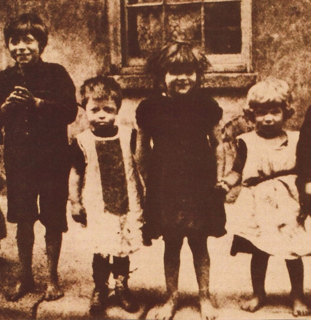 Ireland in the 1900's    There was great poverty and appalling housing in Ireland at the turn of the century. In Dublin City there were 3,604 tenements. According to the 1911 census 634 had more than eleven people in one room. Unskilled labourers earned £1 per week and families lived in squalor.