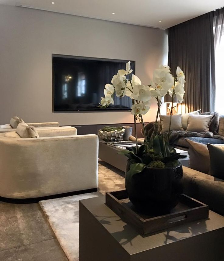 Private Residence / Living Room / Janey Butler Interiors / Eric Kuster / Metropolitan Luxury