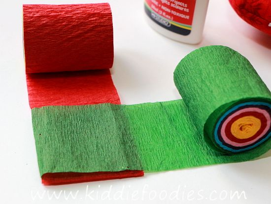 Christmas crafts for kids crepe paper christmas tree for Decor using crepe paper