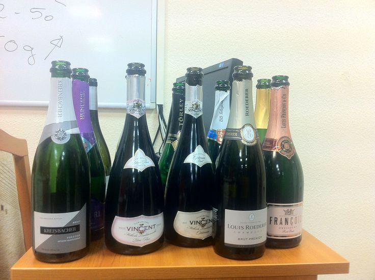 Pezsgők és champagne. Magyar, francia.