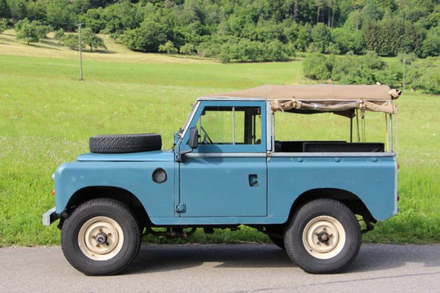 // Land Rover Series III 88, Softtop, Ford V6
