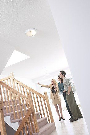 Take a look at this #checklist of what not to do while #househunting.