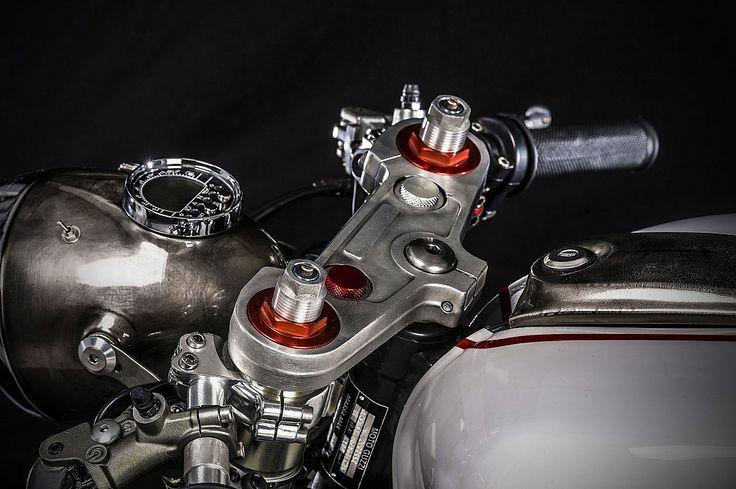 il-sorpasso-moto-guzzi-v11-custom-build-by-emporio-moto-guzzi-9