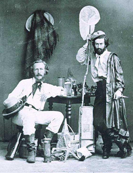 Эрнст Геккель (сидит) со своим помощником Н.Миклухо-Маклаем. Канарские острова, 1866 год.