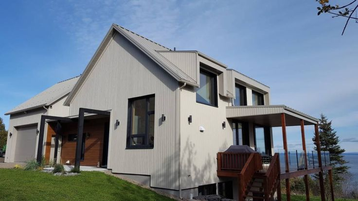 L'Heure Bleue in Charlevoix, Que., is the second home in Canada to achieve Platinum status under Canada Green Building Council's (CaGBC's) Leadership in Energy and Environmental Design (LEED) certification.