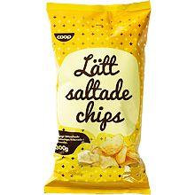 3/5 coop lättsaltade chips: coop zinken: inte lika goda som icas, men en klar förbättring från coop xtra chipsen. spröda och ite mjöliga, säkert king edward potatis. bra lätt sälta.