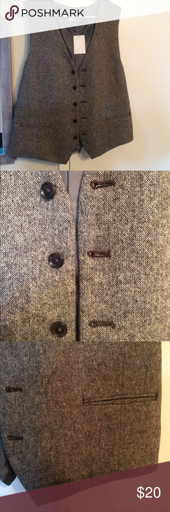 Men's Gray Tweed Vest Bought it for my husband for our wedding and it didn't fit! Never been worn. Nordstrom Suits & Blazers Vests