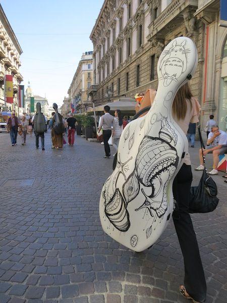Celli in cammino verso il duomo #100cellos #Milano #expo2015 #RaiExpo
