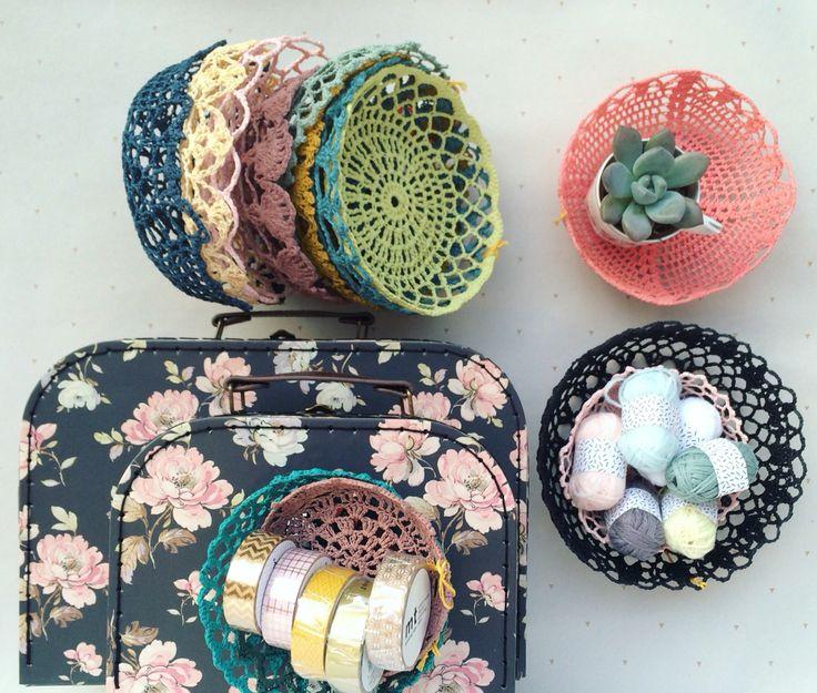 Jolie gamme colorée poétique pour les corbeilles en crochet de Maillo Design en vente sur henryethenriette.com et à la boutique à Nantes