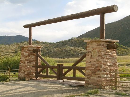 17 best images about ranch gate entrances on pinterest for Ranch entrance designs