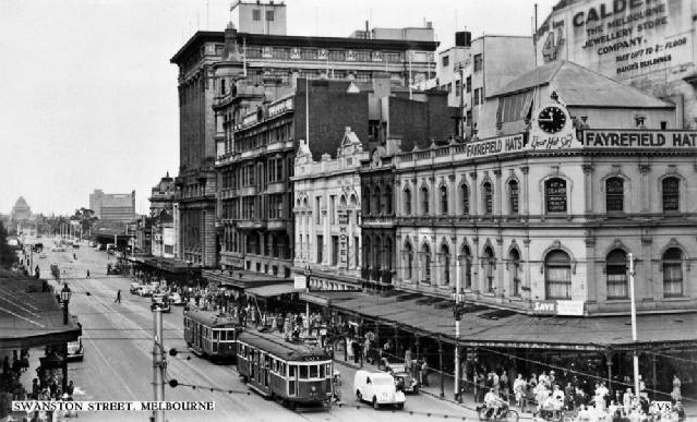 1930's Swanston St looking South towards the Shrine of Rememberance.