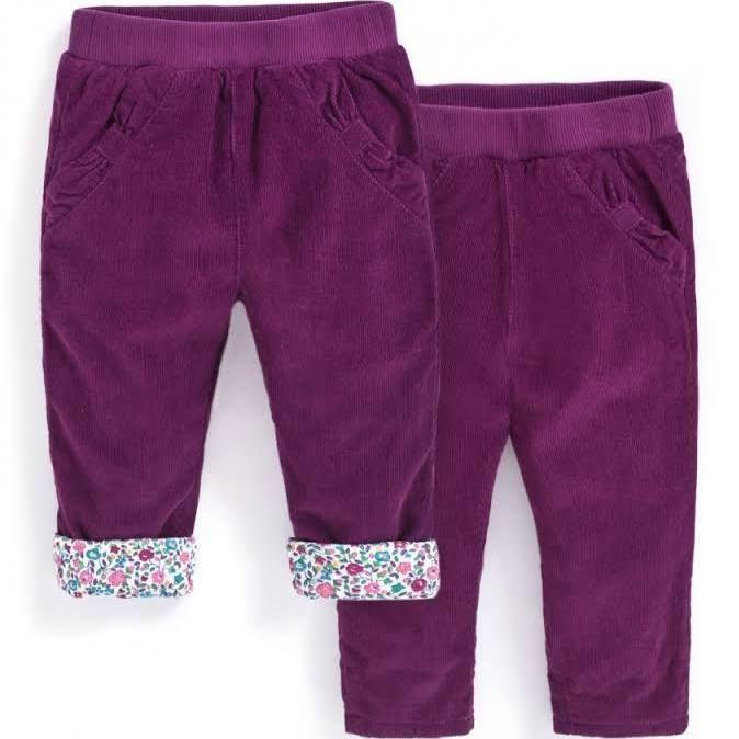 Necessitem uns pantalons de pana per la nena (no cal que siguin aquests, és la primera foto que he trobat)