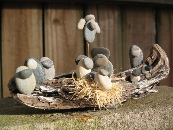 Flusskiesel und Treibholz Krippe von kcLinn auf Etsy