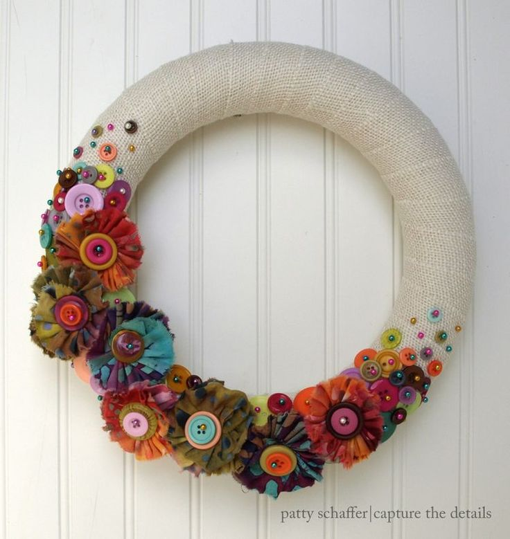Burlap wreath with buttons