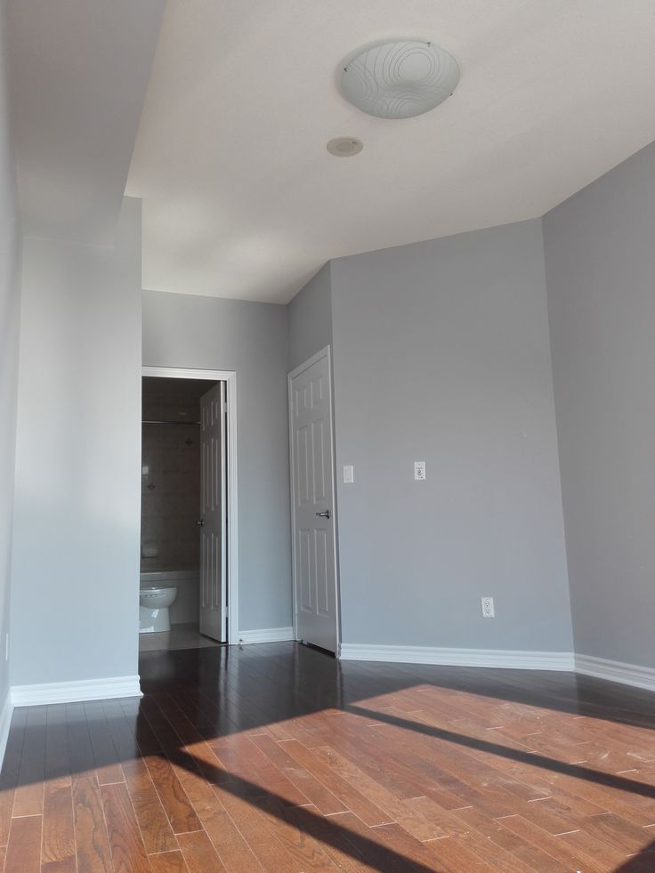 Popular Benjamin Moore Gray--White Stone, it is painted by Mi Painting & Wallpaper https://www.mipaintingwallpaper.com