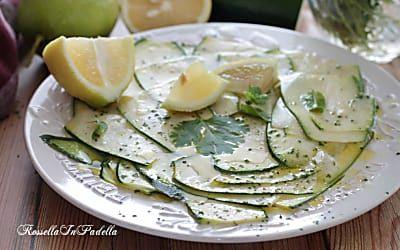 Zucchine marinate al limone e menta, a crudo senza cottura