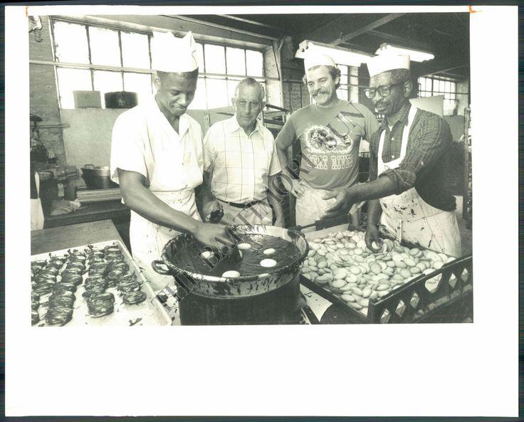 Berger Cookie Bakery 1991 Glen Geater (Employee), Ben De