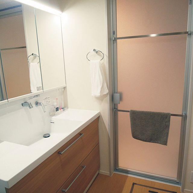 バス トイレ Totoサザナ ドア外タオル掛け 籐のクッションフロア Toto