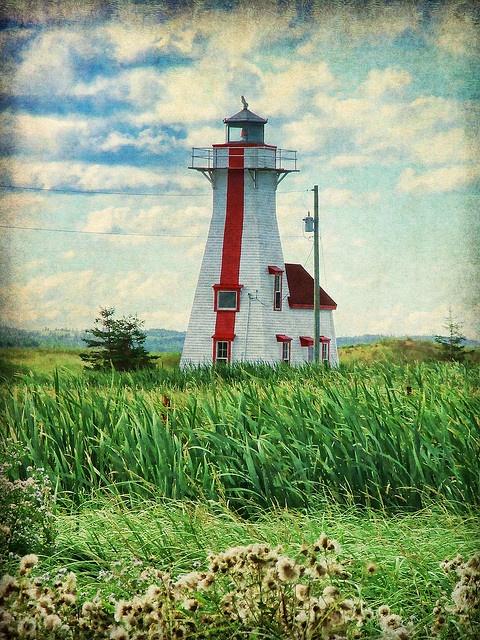 Attractive Prince Edward Island http://www.travelandtransitions.com/destinations/destination-advice/north-america/