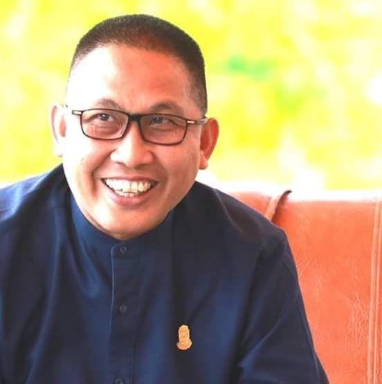 MAKASSAR,SUARALIDIK.com — Tekad dan niat Ketua DPD I Golkar Kota Makassar, Farouk Mappaselling Beta (Aru) maju di Pemilihan Walikota (Pilwalkot) Makassar 2018, dinilai oleh Pakar Politik Universitas Bosowa (Unibos), Arif Wicaksono,sebagai langkah yang tepat. Farouk M Beta (ARU) Menurut...