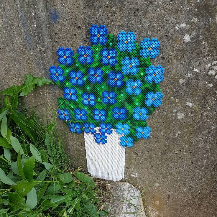 Flowers perler bead street art by perlemor1