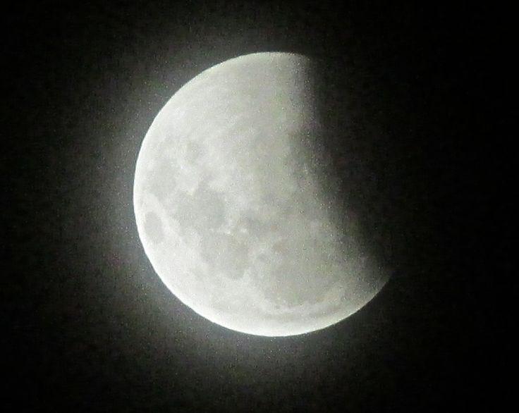 イースター皆既月食の始まり(2015.4.4.)