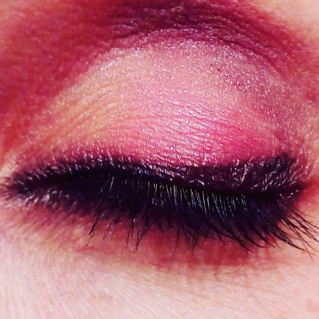 Shades of pink  #makeupartist #makeup #work #smokeyeye #photography #mua #purple #rimmellondon #canonofficial #canonitalia #lash #brushes #eyes #eyeshadow #eyebrown #eyeliner #maccosmetic #makeupforeverofficial #makeuplover #nyxcosmetics #kikomilano #highlights #blushing #pink
