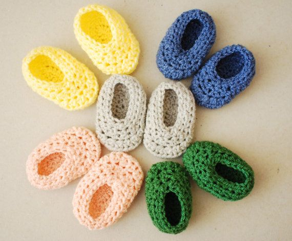 tell him he is going to be an awesome dad with these cute #baby #crochet #booties