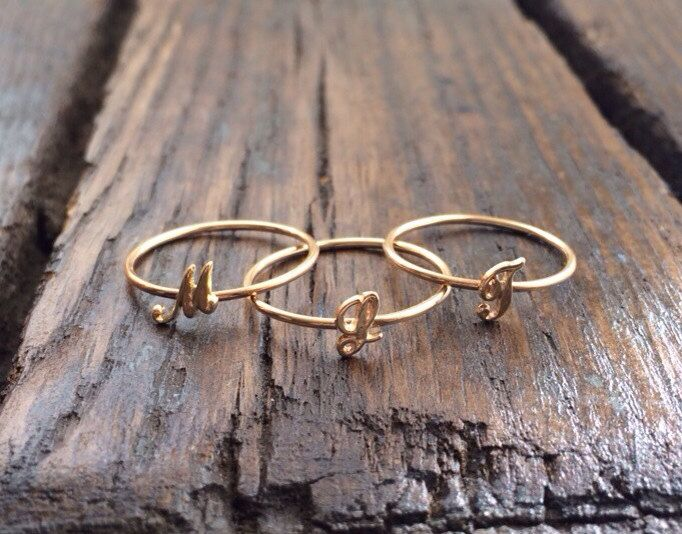 Script Initial Ring Gold Initial Ring von charlieandmarcelle, $50,00