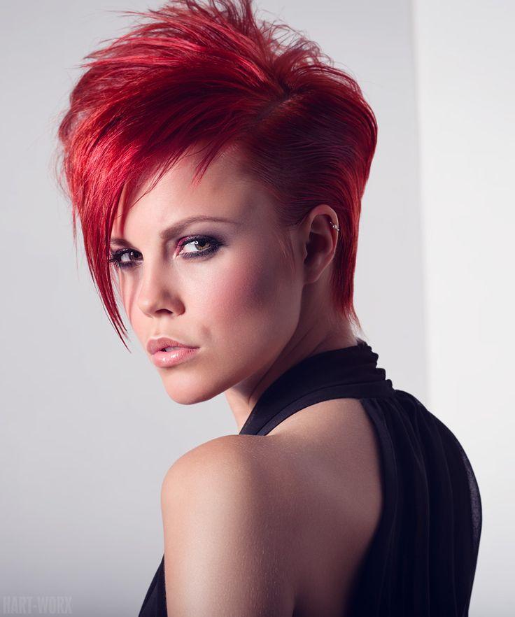 короткие стрижки и красный цвет волос фото удачных выстрелов