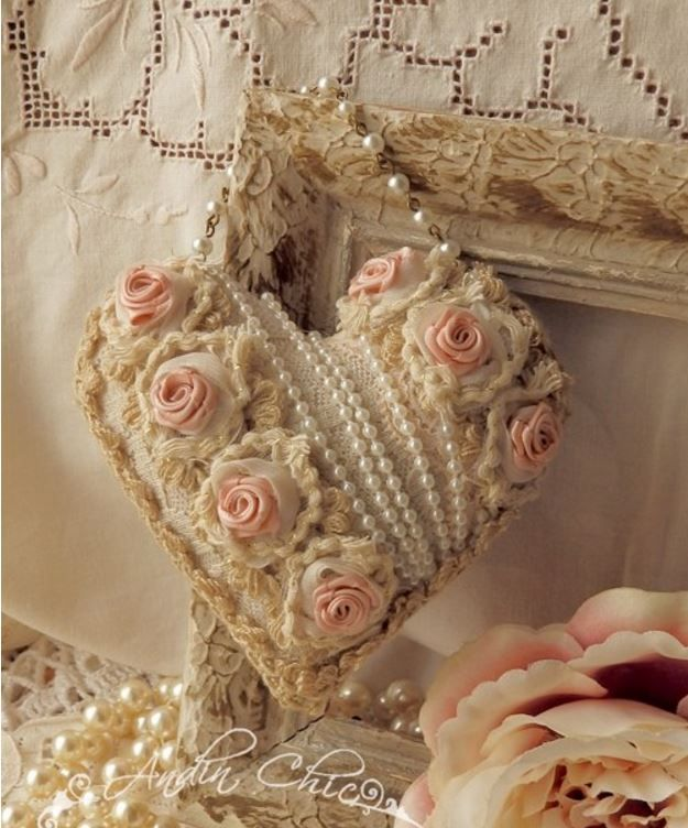 Love this idea for ornament or pincushion. :)