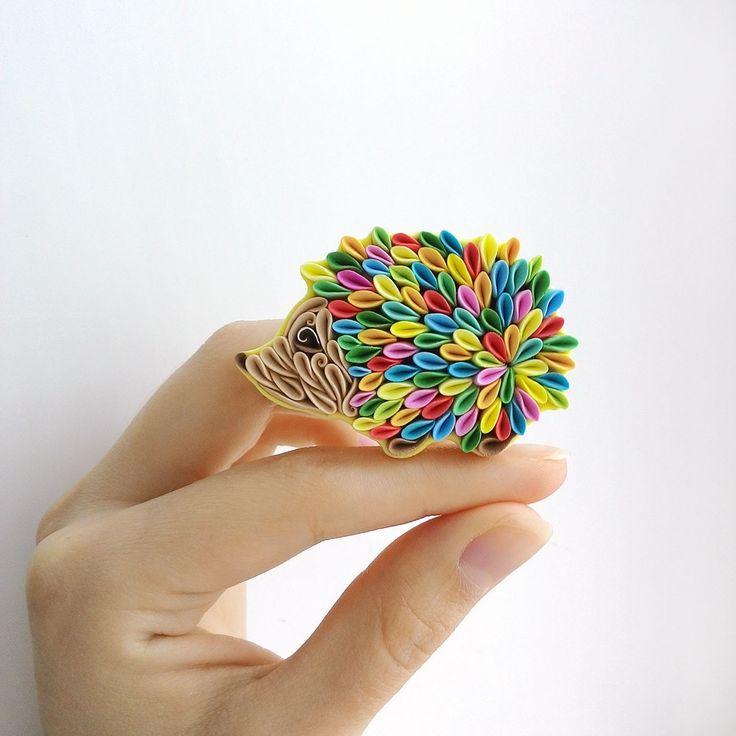 Купить Брошь Ёжик из полимерной глины - желтый, голубой, оранжевый, зеленый, бежевый, ежик